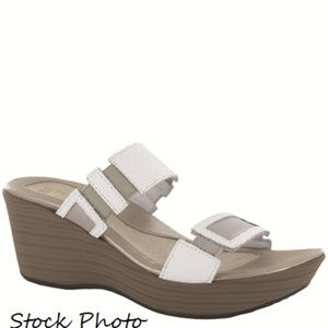 Naot 'Treasure' Wedge White Diamond/Quartz 43